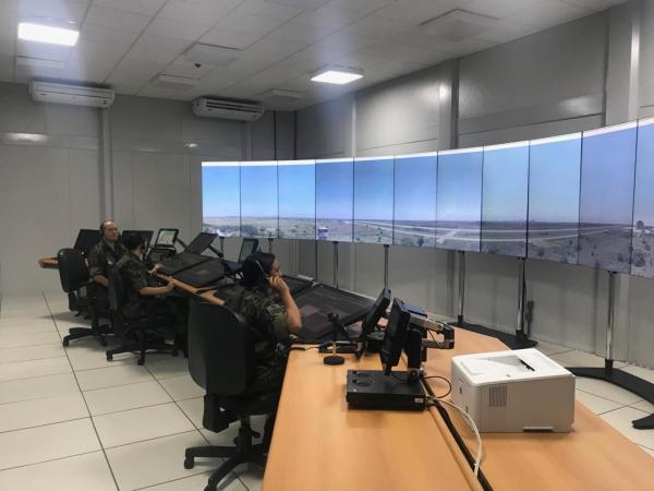 Estrutura foi instalada na Ala 12, em Santa Cruz, no Rio de Janeiro, e é composta por 16 câmeras interligadas a 14 monitores de alta definição, que proporcionam uma visão de 360 graus da área a ser controlada