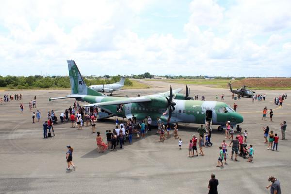 Objetivo foi apresentar as atividades e as instalações da Força Aérea Brasileira no estado