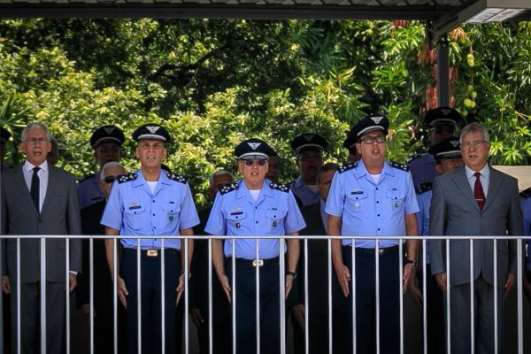 Comandante da Aeronáutica presidiu a solenidade que homenageou o Patrono da Tecnologia da Informação da Aeronáutica e ex-Diretores de Infraestrutura