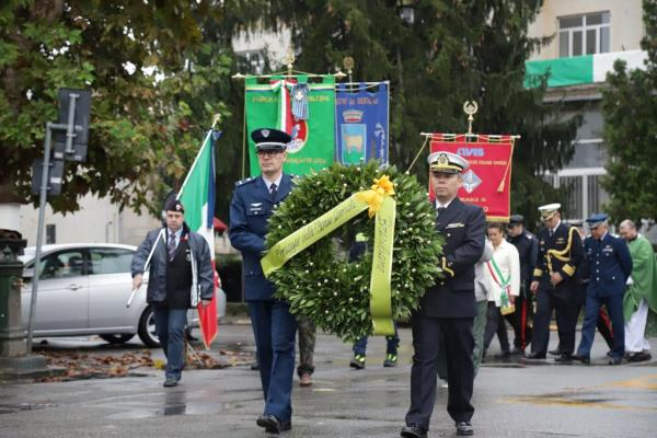 Prefeitura de Rodano realizou homenagem a aviador morto no céu da cidade