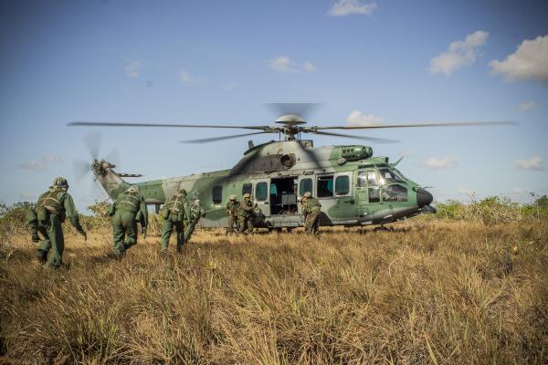 Militares passaram por módulos de Missão Aérea Composta (MMAC) e Evasão e Resgate em Combate (MERC)