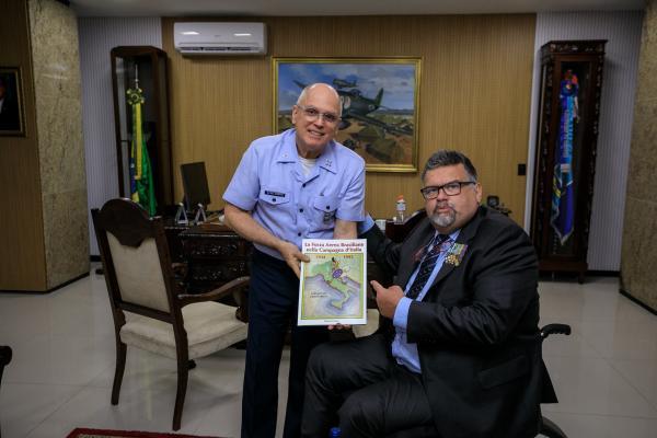 Giovanni Sulla é entusiasta da Força Expedicionária Brasileira e autor de livros sobre a participação do Brasil na Segunda Guerra Mundial