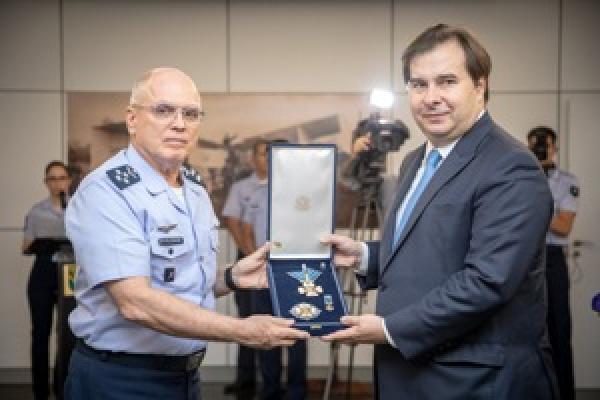 Ordem do Mérito Aeronáutico foi imposta nesta quinta-feira (21), no Comando da Aeronáutica, em Brasília (DF)