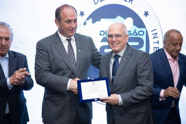 Tenente-Brigadeiro Bermudez foi homenageado pela Sociedade dos Melhores Amigos da Aeronáutica em São Paulo (SP)