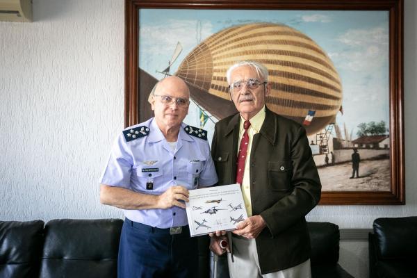 Pesquisas para a obra, de autoria de Coronel da FAB, iniciaram-se em 2007