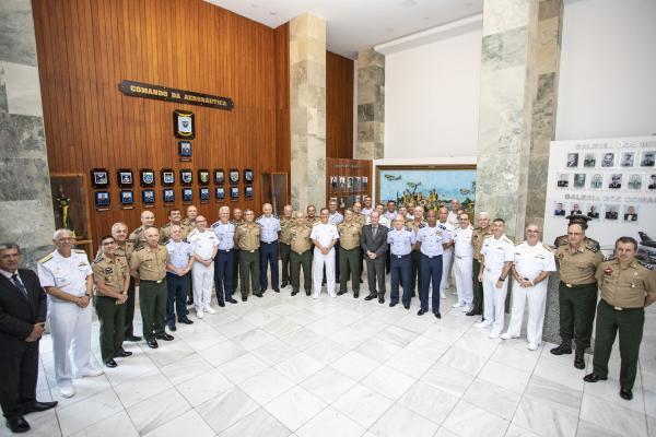 Encontro ocorreu na sede do Comando da Aeronáutica