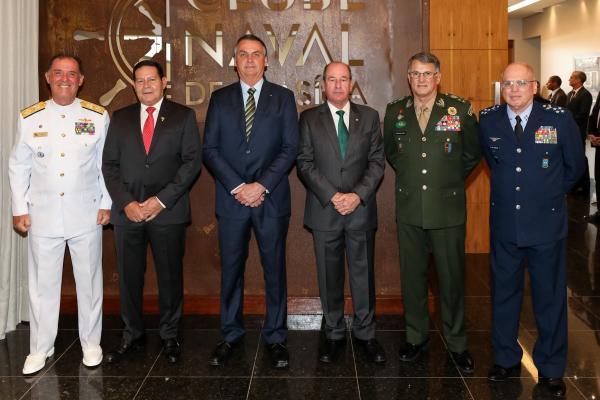 O evento ocorreu no Clube Naval de Brasília, nesta segunda-feira (9), para o tradicional almoço de fim de ano
