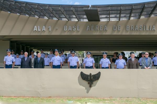 Solenidade aconteceu na Ala 1, em Brasília (DF), e contou com homenagem e desfile militar