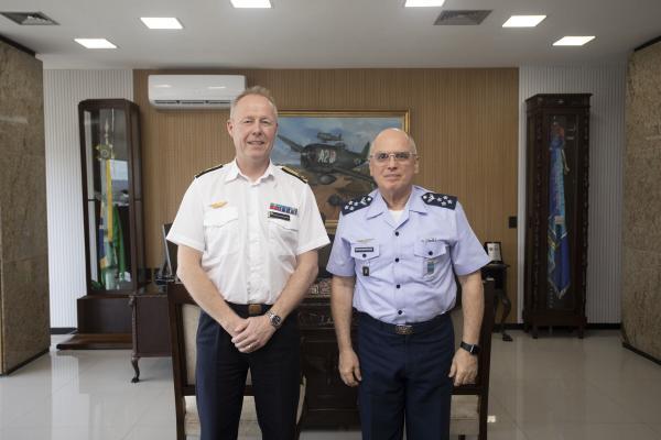 Major-General Carl-Johan Edström foi recebido pelo Tenente-Brigadeiro Bermudez