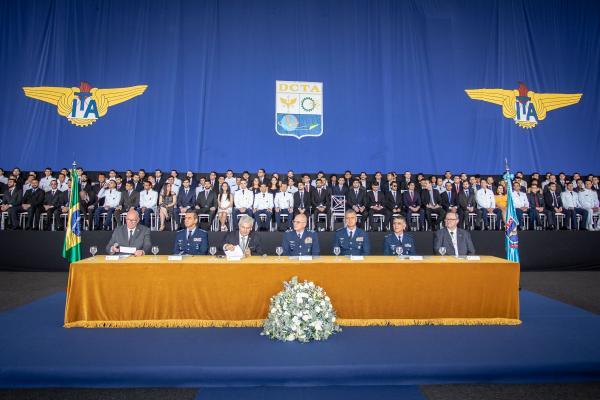 Cerimônia de formatura aconteceu nesse sábado (14), em São José dos Campos (SP)