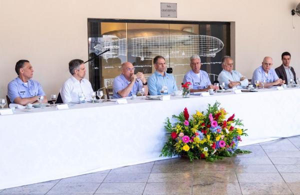 Tenente-Brigadeiro Bermudez fez balanço das ações em 2019 e reafirmou a cooperação entre as instituições