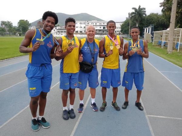 Alunos do Instituto Ideal Brasil conquistam medalhas em várias modalidades