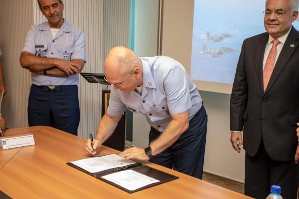 Acordo contempla a primeira etapa da implantação do Programa de Eficiência Energética no âmbito da Organização de Aeronáutica de Brasília
