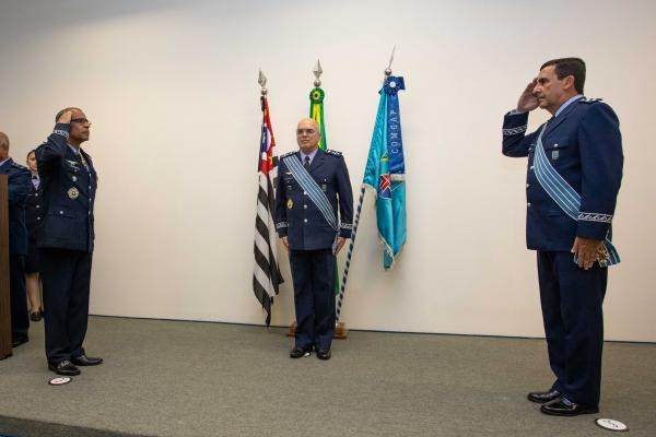 Major-Brigadeiro Sérgio transmite o cargo de Comandante-Geral de Apoio ao Tenente-Brigadeiro Baptista Junior