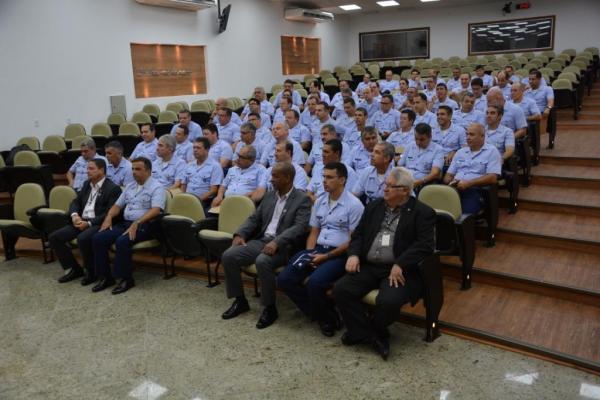 O Estágio, na Escola de Comando e Estado-Maior da Aeronáutica, proporciona o nivelamento dos conhecimentos para o exercício da alta administração na Força Aérea Brasileira
