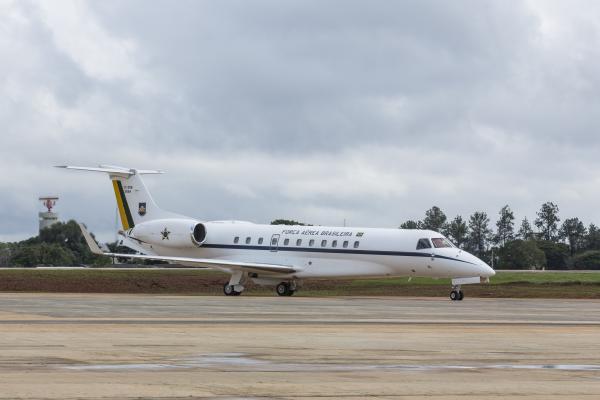 Operação visa transportar brasileiros que estão na cidade de Wuhan