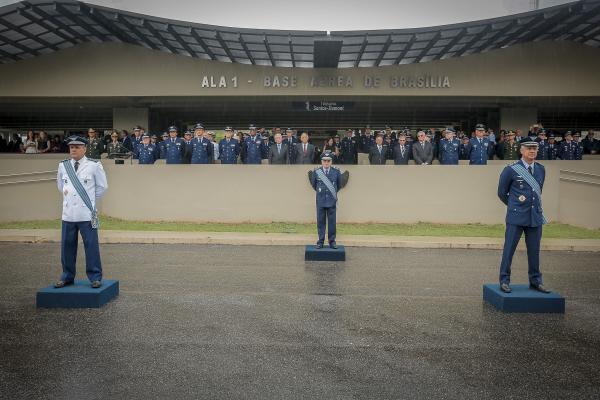 Na solenidade, realizada em Brasília (DF), o Tenente-Brigadeiro Egito passou o cargo ao Tenente-Brigadeiro Aguiar e foi homenageado ao se despedir do serviço ativo