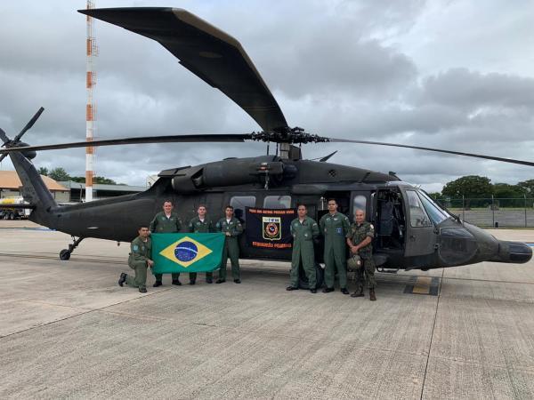 O helicóptero realizou o primeiro voo de reconhecimento nesta sexta-feira (07) no Hospital das Forças Armadas (HFA)