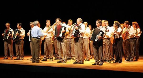 Orquestra de Violeiros do Estado de Goiás se apresentou no Hotel de Trânsito da Ala 2