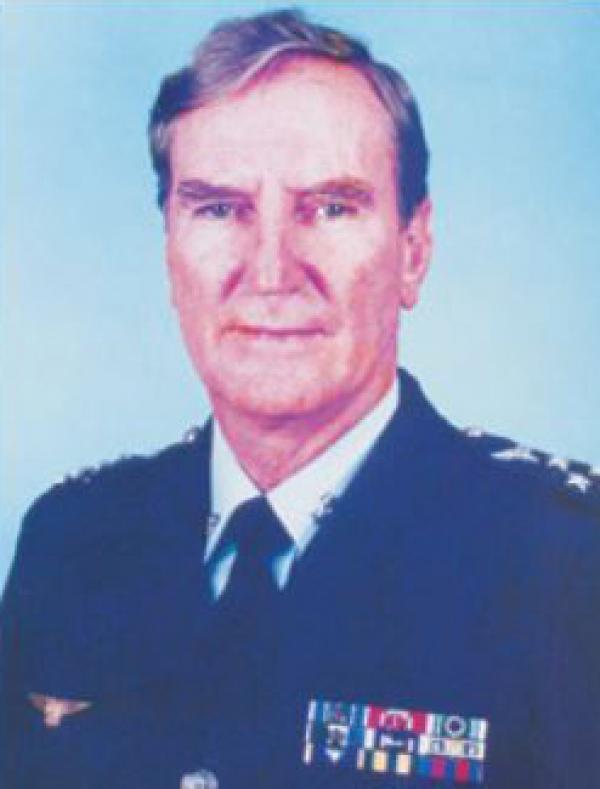 Oficial-General ingressou na FAB em 1951 e exerceu importantes cargos e funções