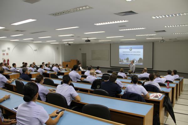 Quarenta novos alunos começaram o Mestrado Profissional