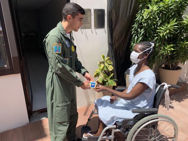Aviadores do 3º ETA cumpriram a missão a bordo da aeronave C-95 Bandeirante da Força Aérea Brasileira