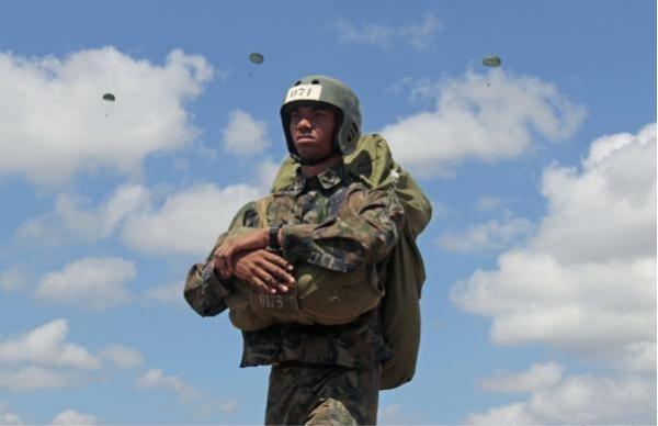 Atividade é um dos principais desafios para militares do 1º ano dos Cursos de Formação de Oficiais Aviadores, Intendentes e de Infantaria