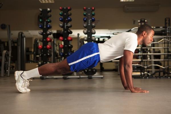 A proposta levou em consideração os três níveis de condicionamento, bem como a distribuição dos exercícios por grupos musculares