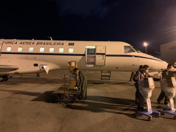 Aeronave do GTE realizou o Transporte Aero Logístico de ventiladores pulmonares para Minas Gerais e, ainda, 2.800 doses de vacinas para os estados do Tocantins e do Amapá