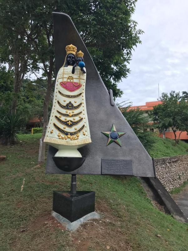 Monumento marca as comemorações dos 100 anos do título de Nossa Senhora de Loreto como Padroeira da Aviação e dos 50 anos do Santuário localizado no Rio de Janeiro