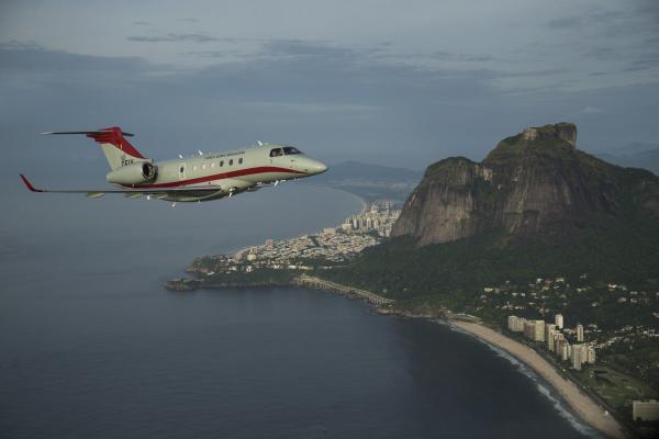 Mesmo diante da crise da COVID-19, grupo de elite da FAB atua para permitir que todas as aeronaves que cruzam os céus do Brasil se movimentem com segurança