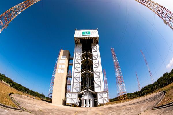 Documento firmado entre Estado-Maior da Aeronáutica e Agência Espacial Brasileira estabelece atribuições e processos de trabalho nas fases de implantação e operação do CEA