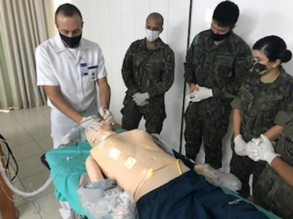 Objetivo principal foi aprimorar conhecimentos e técnicas para a atuação na identificação, notificação e manejo de casos de infecção humana pelo novo Coronavírus