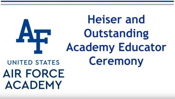 Major Noschang recebeu o Prêmio Outstanding Academy Educator, concedido pela USAFA, nesta terça-feira (19)
