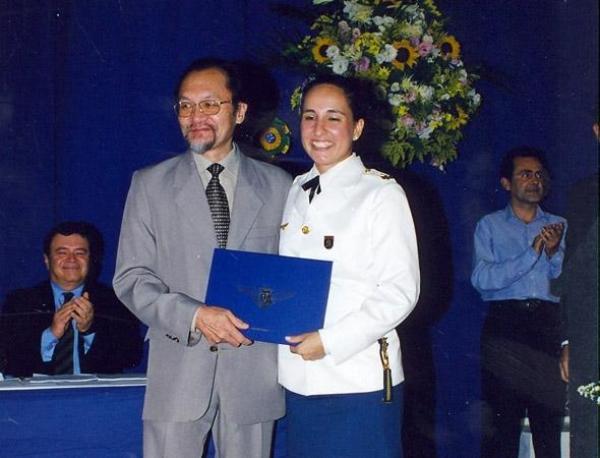O cinquentenário e as primeiras mulheres formadas no ITA (1990-2000)