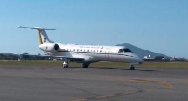A aeronave VC-99, do Grupo de Transporte Especial (GTE), realizou, nesta sexta, o translado de uma menina de menos de três meses de Aracaju (SE) para Navegantes (SC)