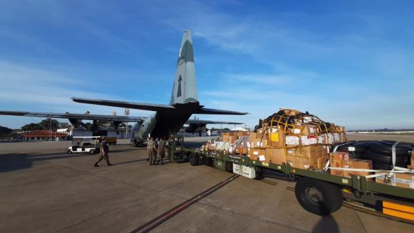 A aeronave decolou do Rio de Janeiro (RJ), pousou em Brasília (DF) e seguiu para Manaus (AM)