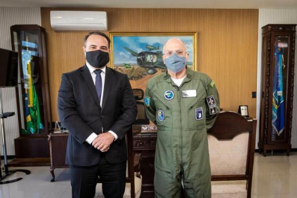 Encontro ocorreu na tarde desta quinta-feira (9), no Comando da Aeronáutica, em Brasília (DF)