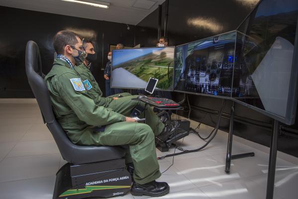 Projeto denominado T-2000 foi desenvolvido em parceria com o Centro de Computação da Aeronáutica de São José dos Campos (CCA-SJ)