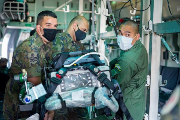 Capacitação também orientou equipes médicas para atuarem em cuidados críticos em voo e realizar o transporte de pacientes em situações graves