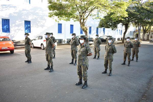 Alunos do CFS e EAGS chegaram na instituição de ensino em dias alternados