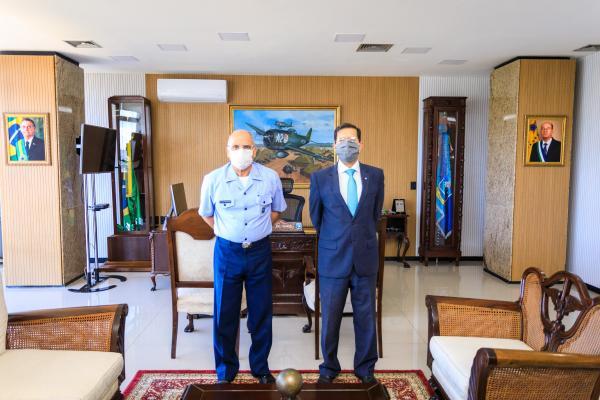Encontro ocorreu na tarde desta segunda-feira (27), no Comando da Aeronáutica, em Brasília (DF)