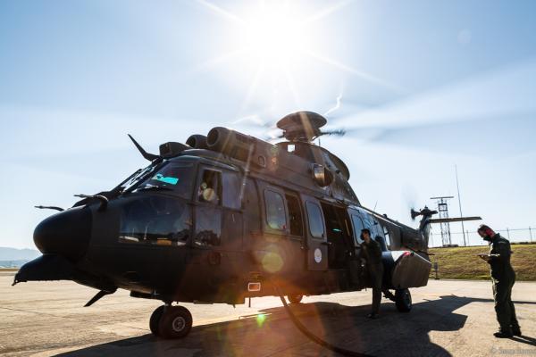 Centro Integrado, que reúne profissionais das três Forças, realizou inspeção em aeronave H225M do Exército Brasileiro