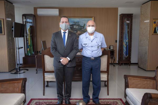 Encontro ocorreu na tarde desta terça-feira (04), no Comando da Aeronáutica, em Brasília (DF)