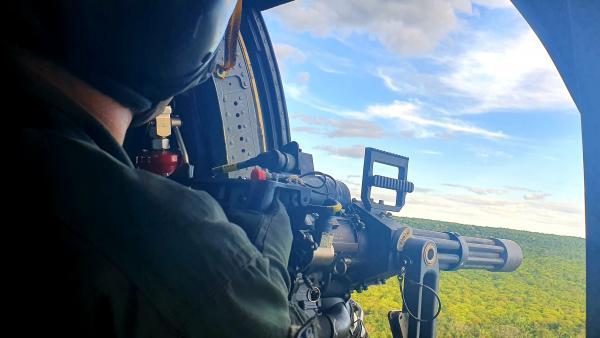 O adestramento contou com formação e manutenção operacional de pilotos e tripulantes