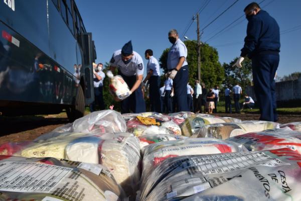 Durante os meses de junho e julho, o efetivo do Destacamento de Controle do Espaço Aéreo de Foz do Iguaçu realizou campanha para arrecadar donativos
