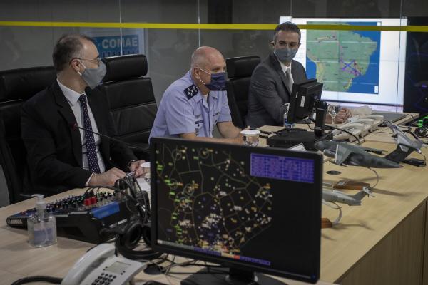 Comandante da Aeronáutica e Comandante de Operações Aeroespaciais receberam as autoridades que discutiram parcerias entre as Instituições