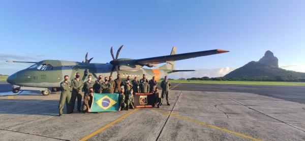 Aeronaves A-29 a serem entregues à Força Aérea das Filipinas foram apoiadas pelo SC-105 Amazonas, operado pelo Esquadrão Pelicano, na travessia do Atlântico