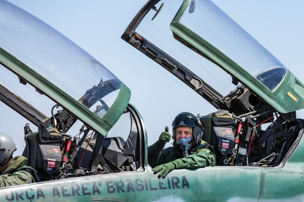 Tenente-Brigadeiro Araujo se despede do serviço ativo após 46 anos de dedicação à Instituição