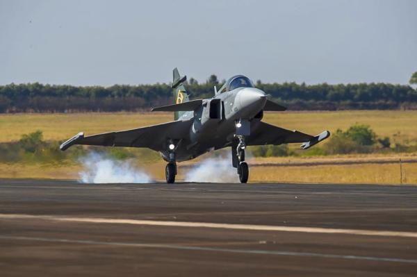 O voo ocorreu no trajeto entre Navegantes (SC) e Gavião Peixoto (SP), nesta quinta-feira (24)